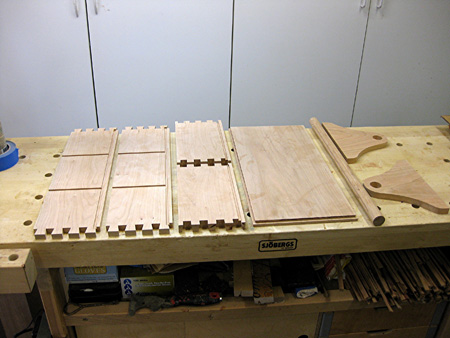 components-of-tool-tote-with-dovetail-joints-copy